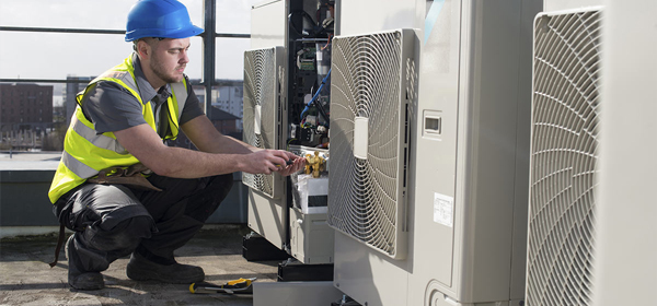 mise-en-conformite-installation-pompe-a-chaleur-panneaux-solaires-photovoltaiques